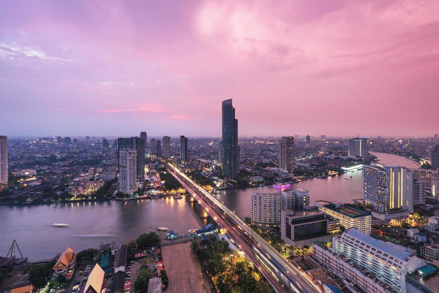orizzonte della città di Bangkok, Tailandia foto