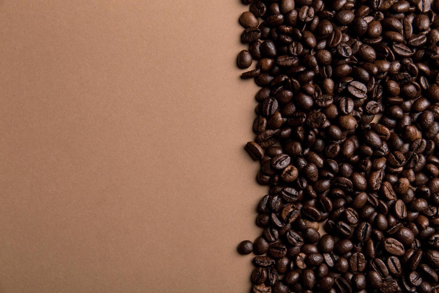 chicchi di caffè marroni foto