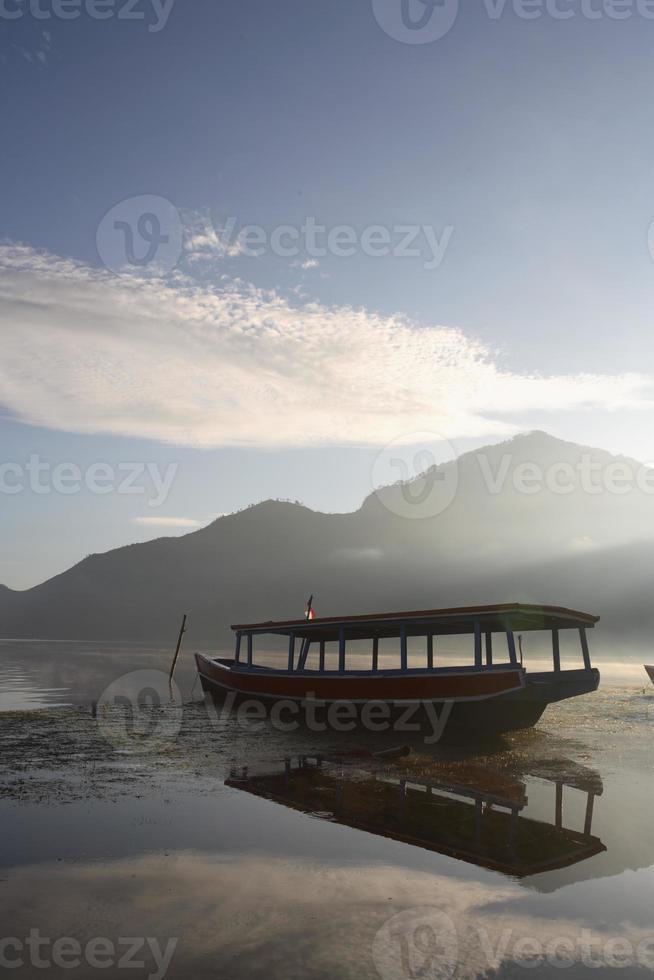 barca passangger tradizionale foto