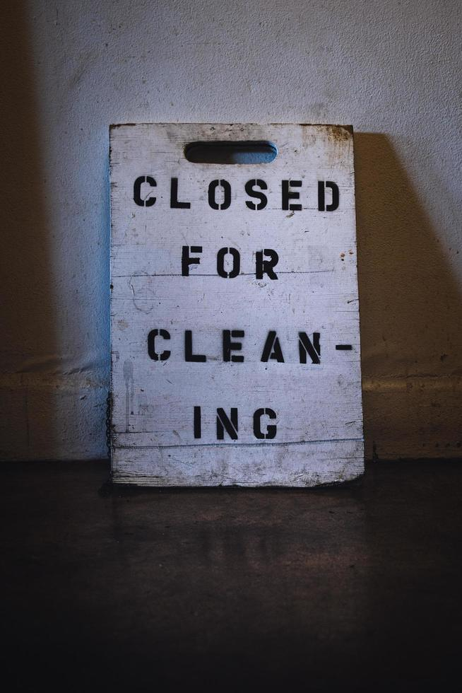 chiuso per segno di pulizia foto