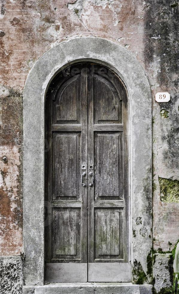 vecchio frontdoor in italia foto