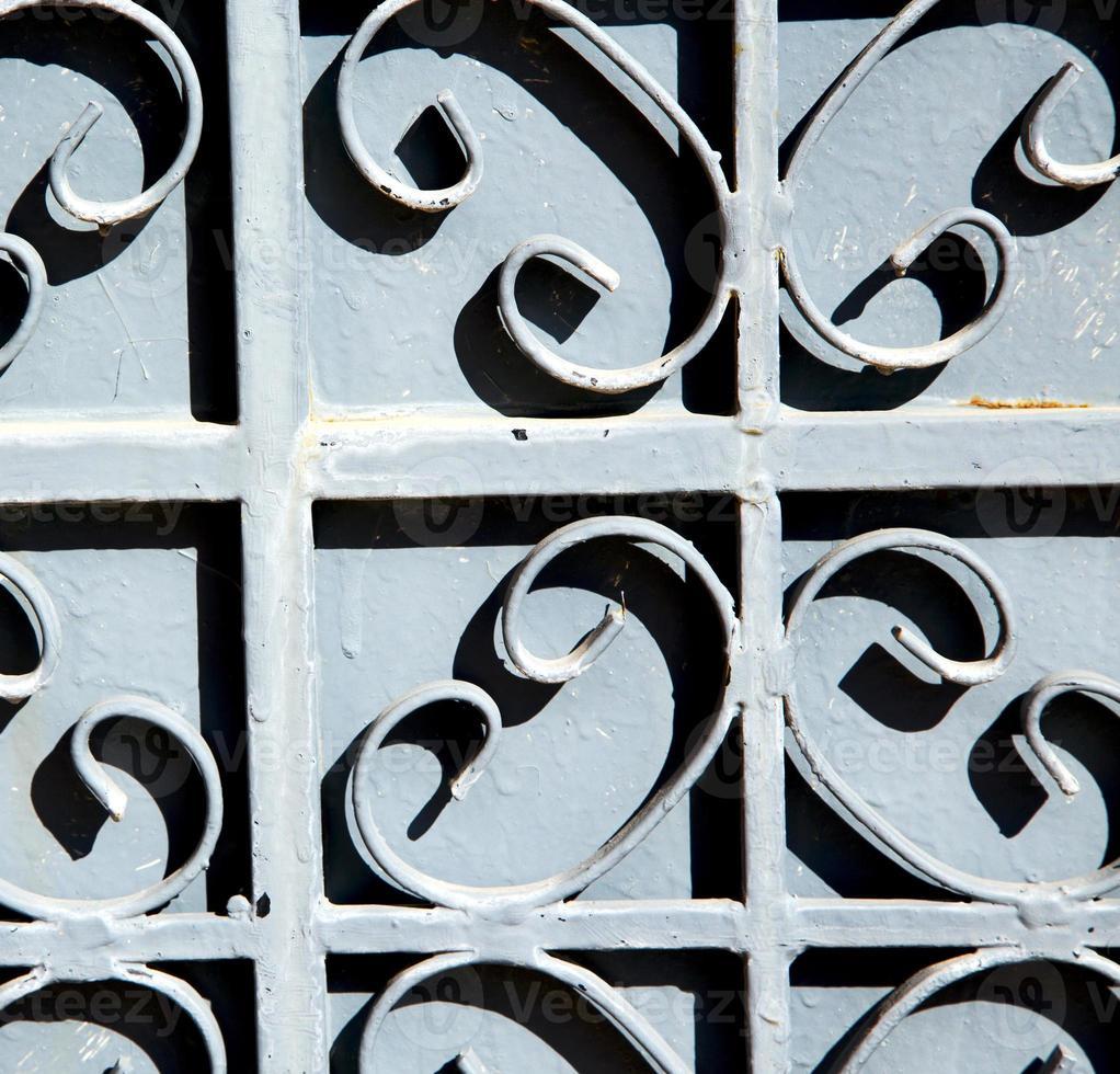 metallo arrugginito marocco in africa la vecchia facciata in legno foto