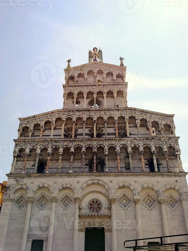 facciata chiesa san michele lucca, italia foto