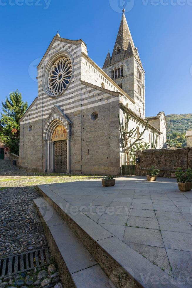 basilica dei fieschi foto
