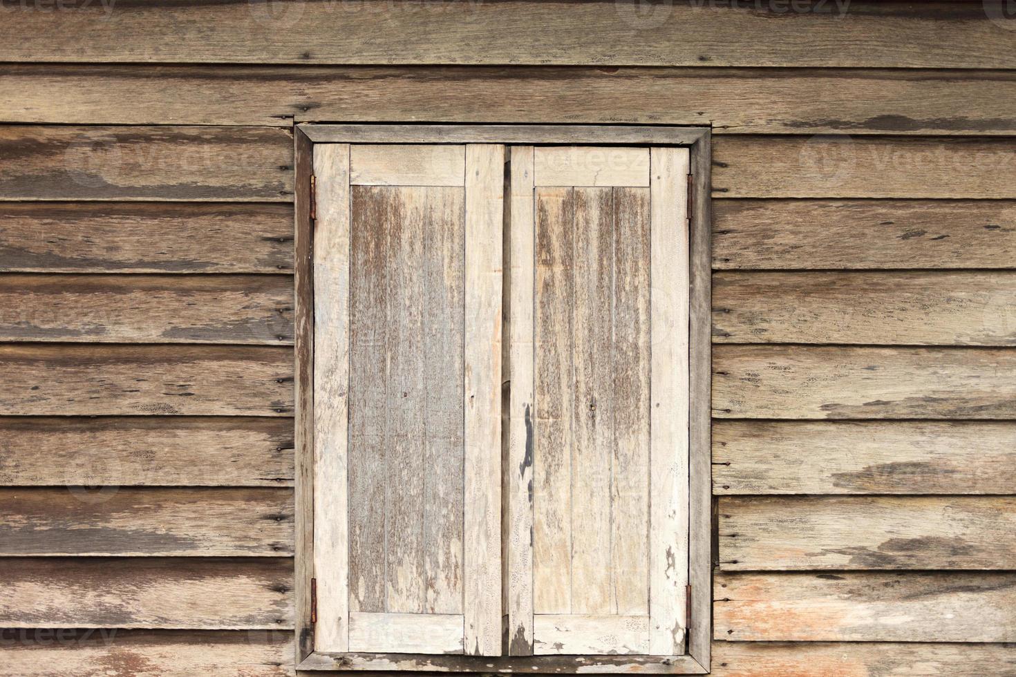 fondo di legno della finestra della parete foto