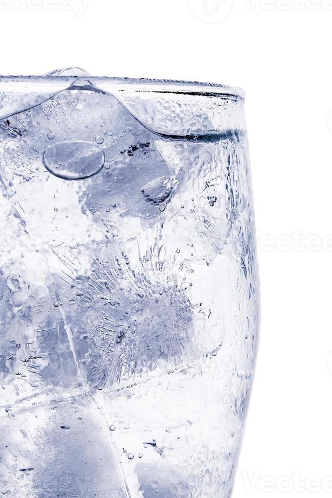 ghiaccio in un bicchiere foto