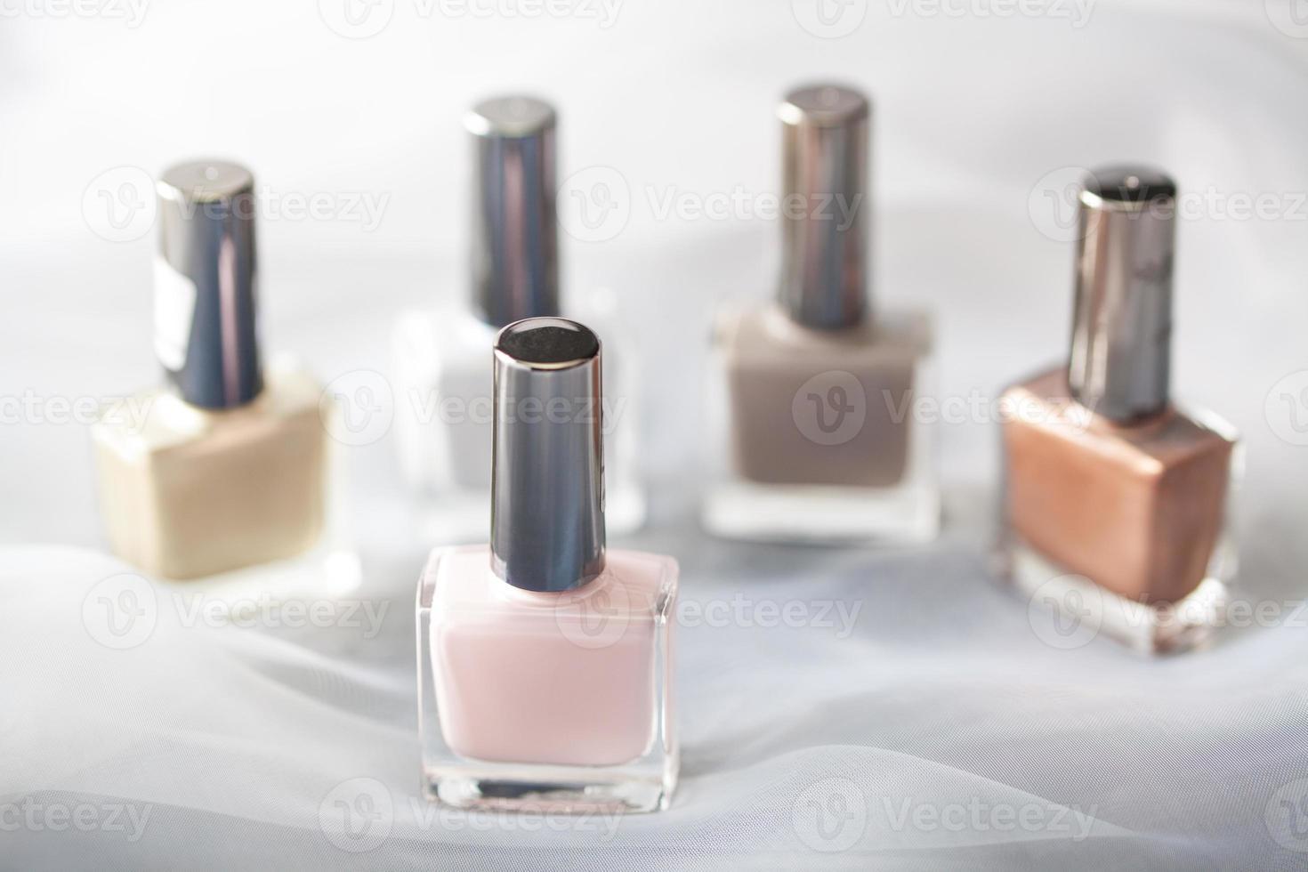 bottiglie di smalto per unghie foto