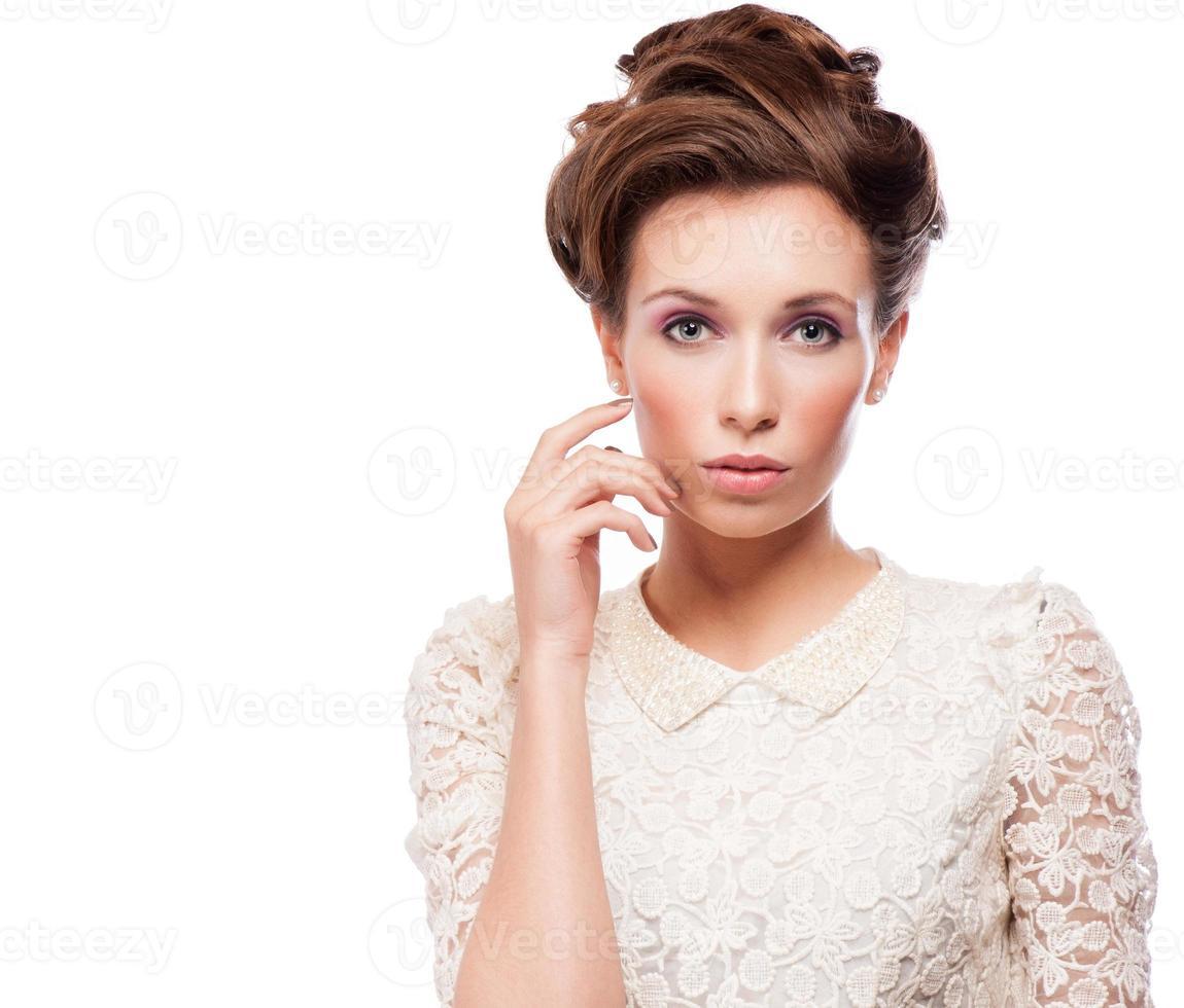 ritratto di bella donna alla moda foto