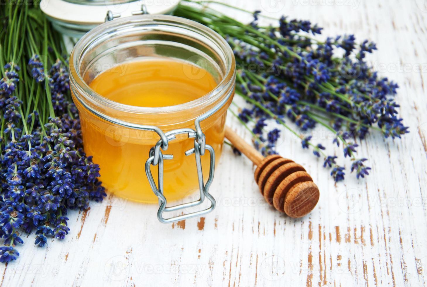 miele e fiori di lavanda foto