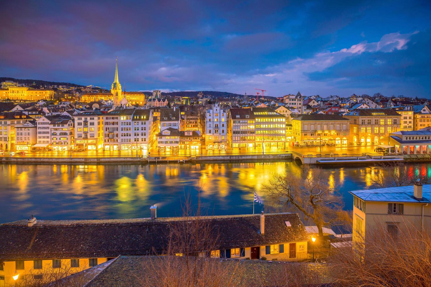 paesaggio urbano del centro di zurigo in svizzera foto