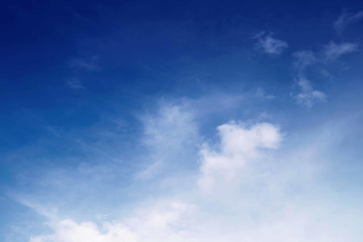 bel cielo azzurro foto