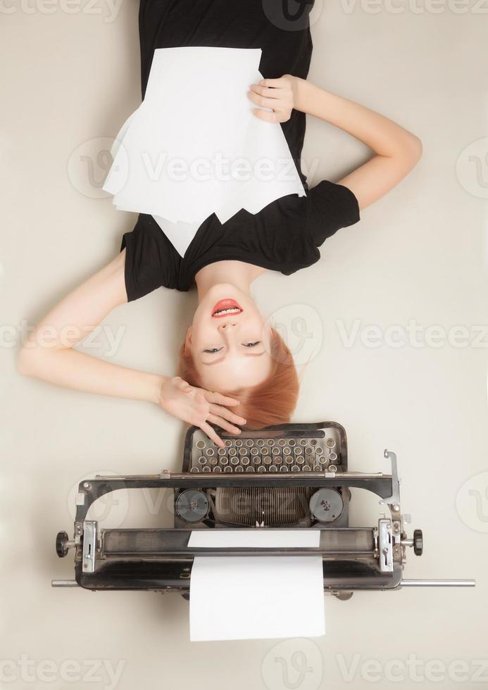 bella ragazza dai capelli rossi foto