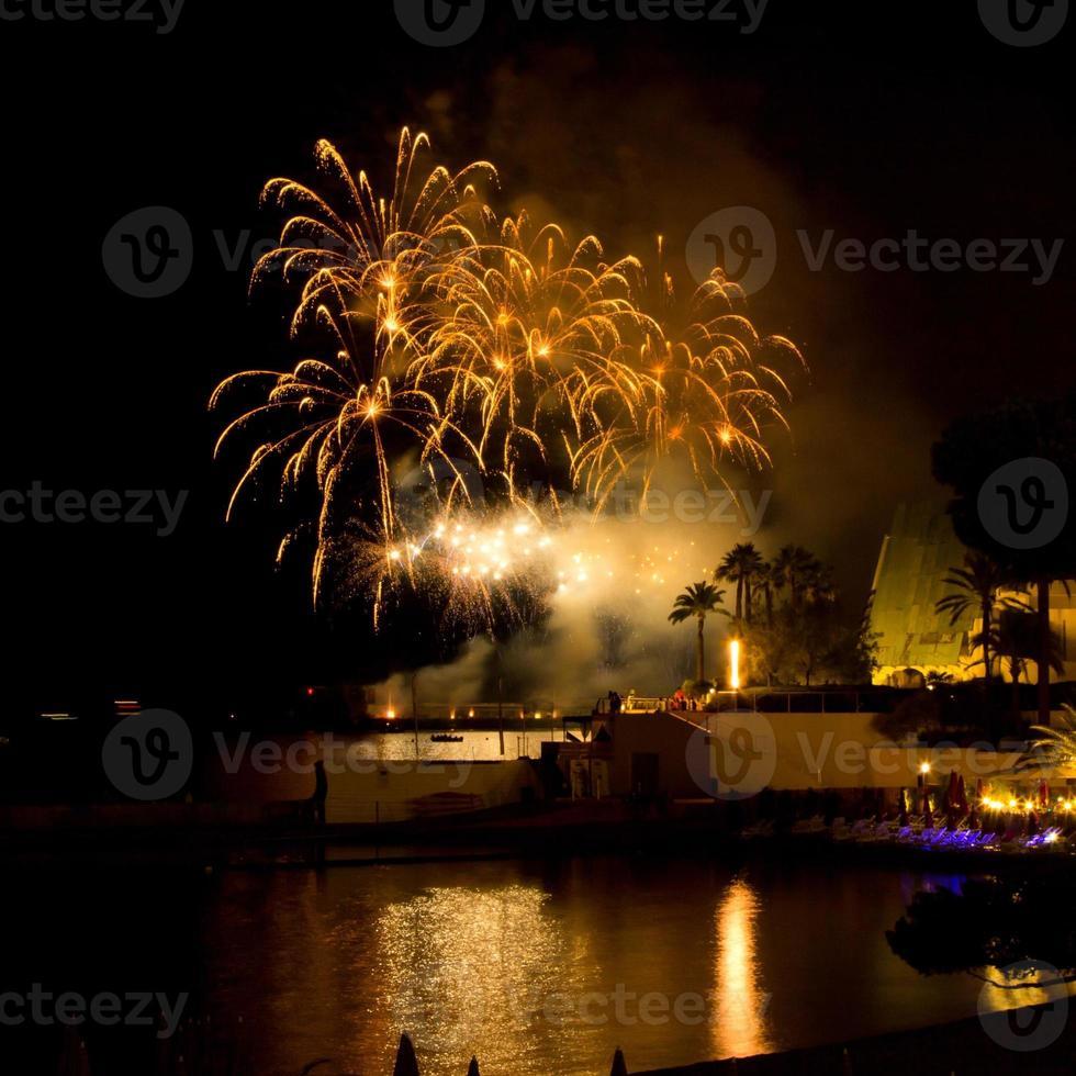 grandi fuochi d'artificio dal porto di monaco, concorso foto