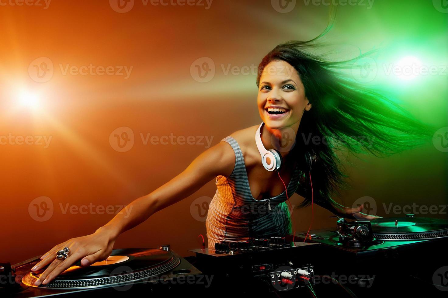 festa in discoteca dj foto