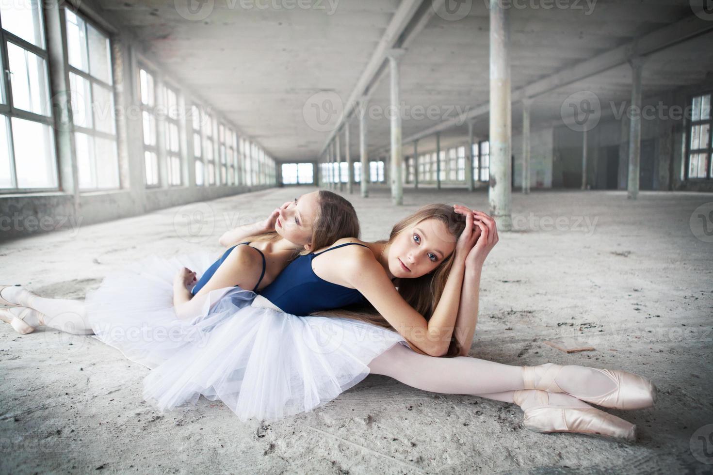 ballerine gemelle foto