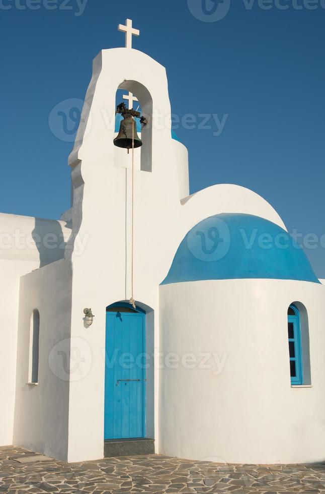 chiesa bianca cristiana ortodossa foto