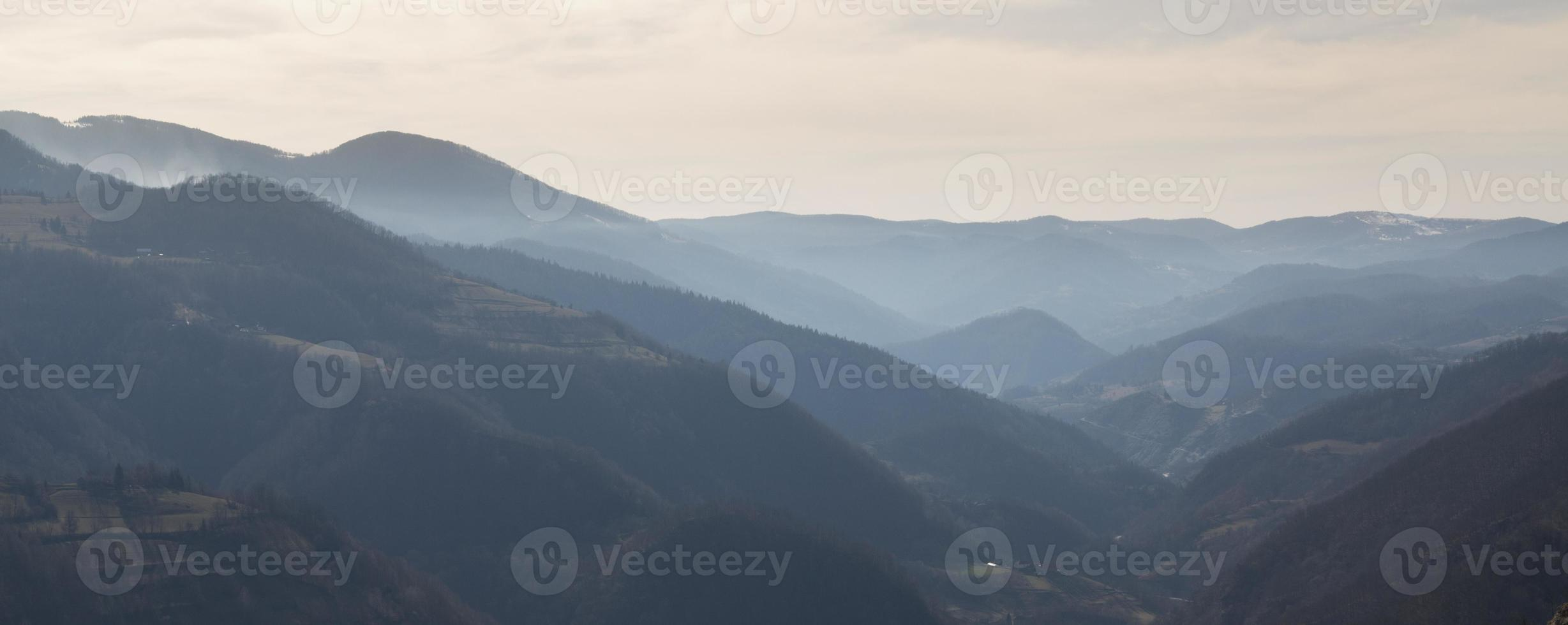 vista sulle colline vicino a kraljevo serbia 3 foto