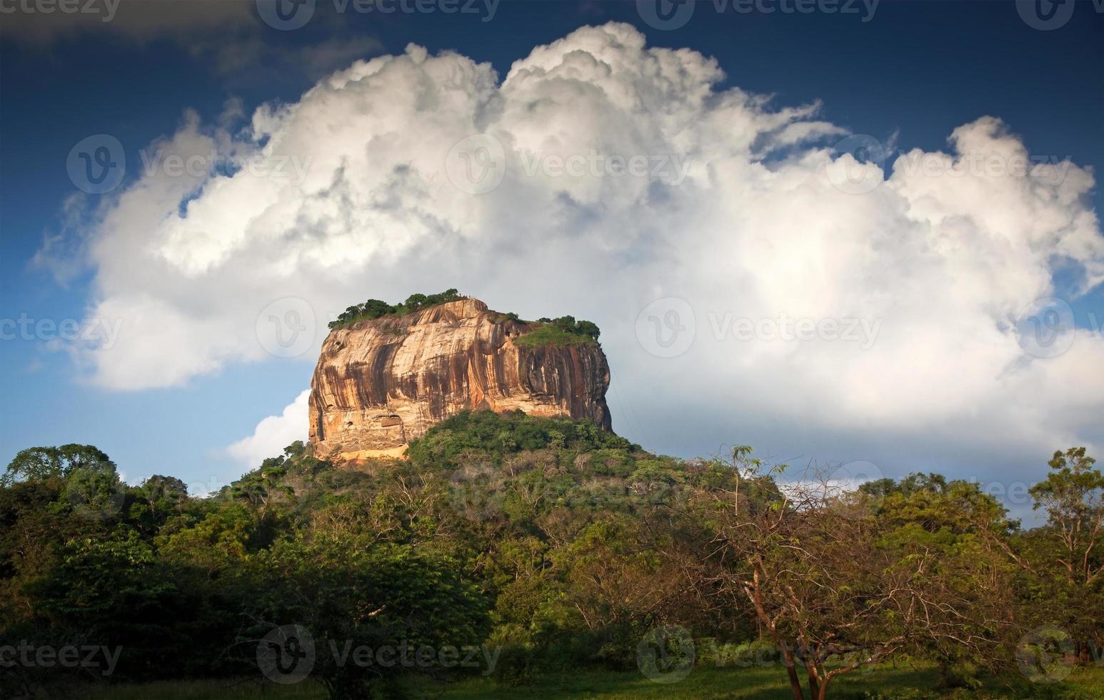 fortezza della roccia del leone di sigiriya in Sri Lanka foto