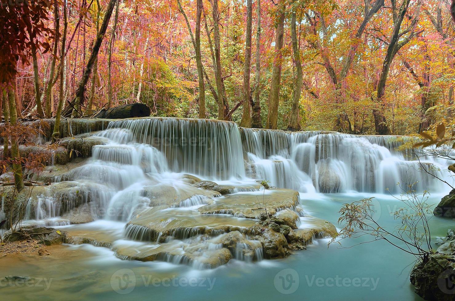 cascata bella colorata. foto