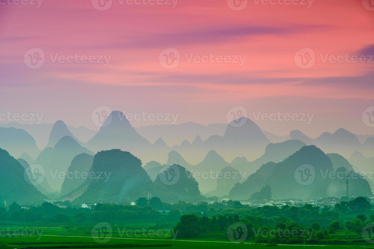 montagne carsiche della Cina foto