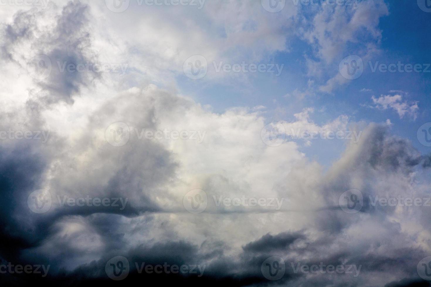 nuvole di pioggia foto