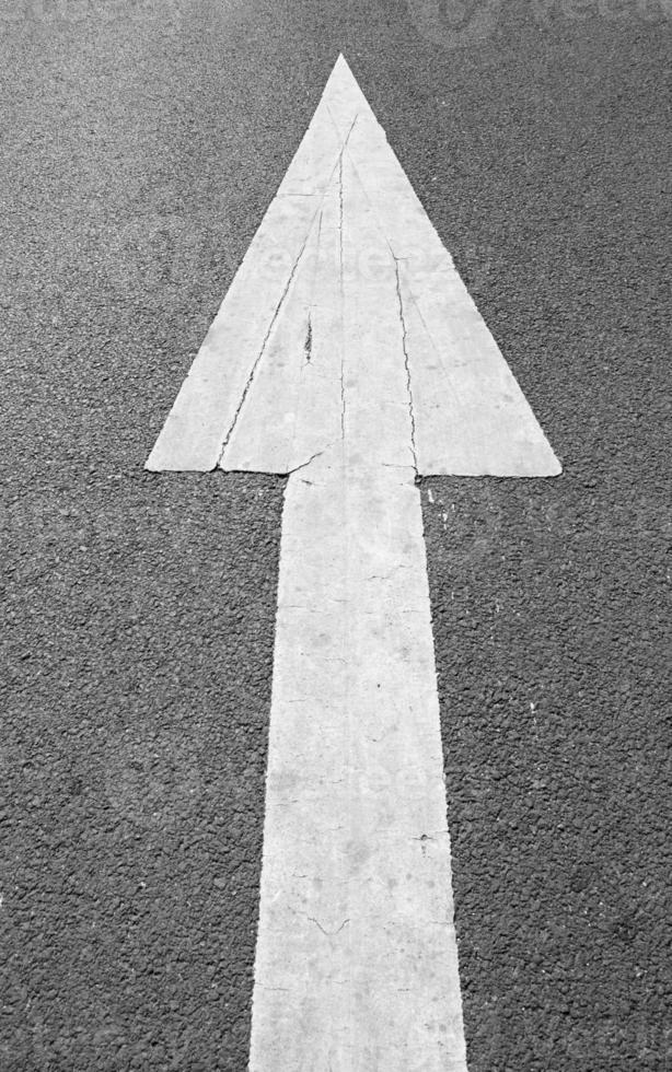 freccia di strada foto