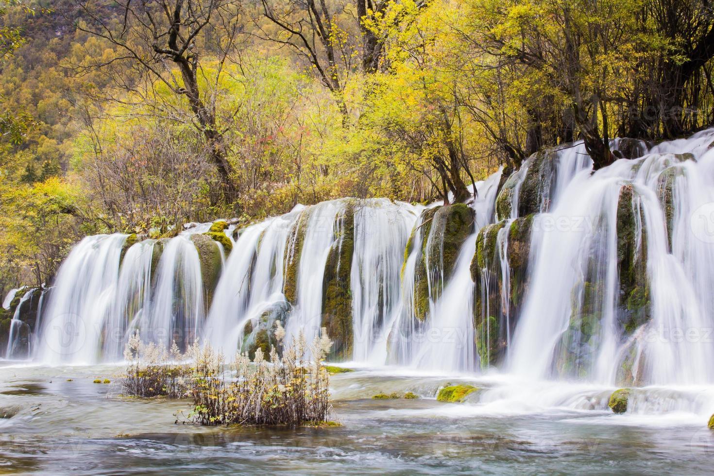 freccia cascata di bambù jiuzhaigou scenico foto