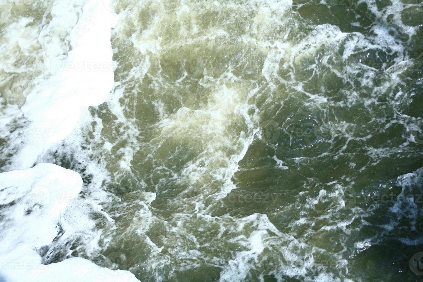 acqua fresca e pulita foto