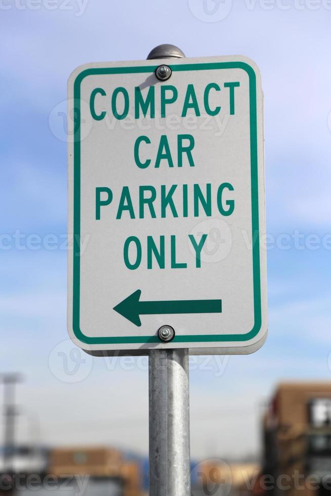 segno di parcheggio auto compatto solo foto
