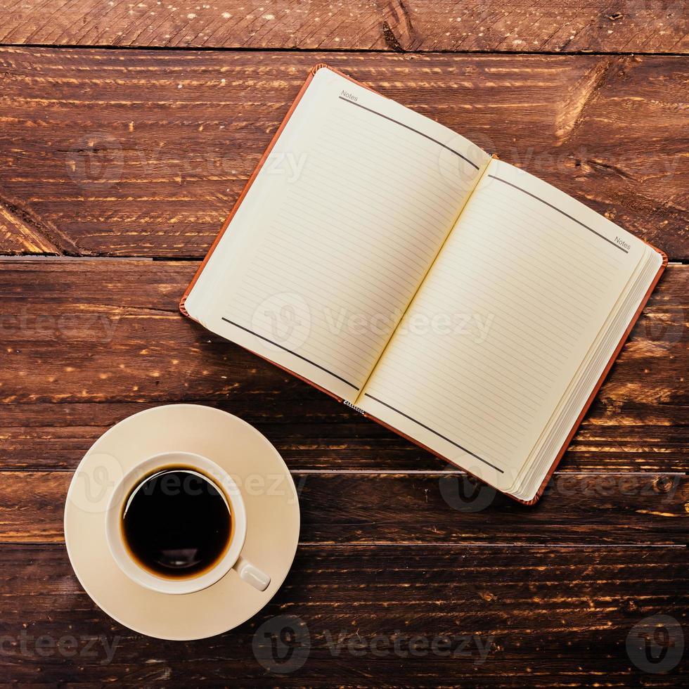 caffè e libro foto