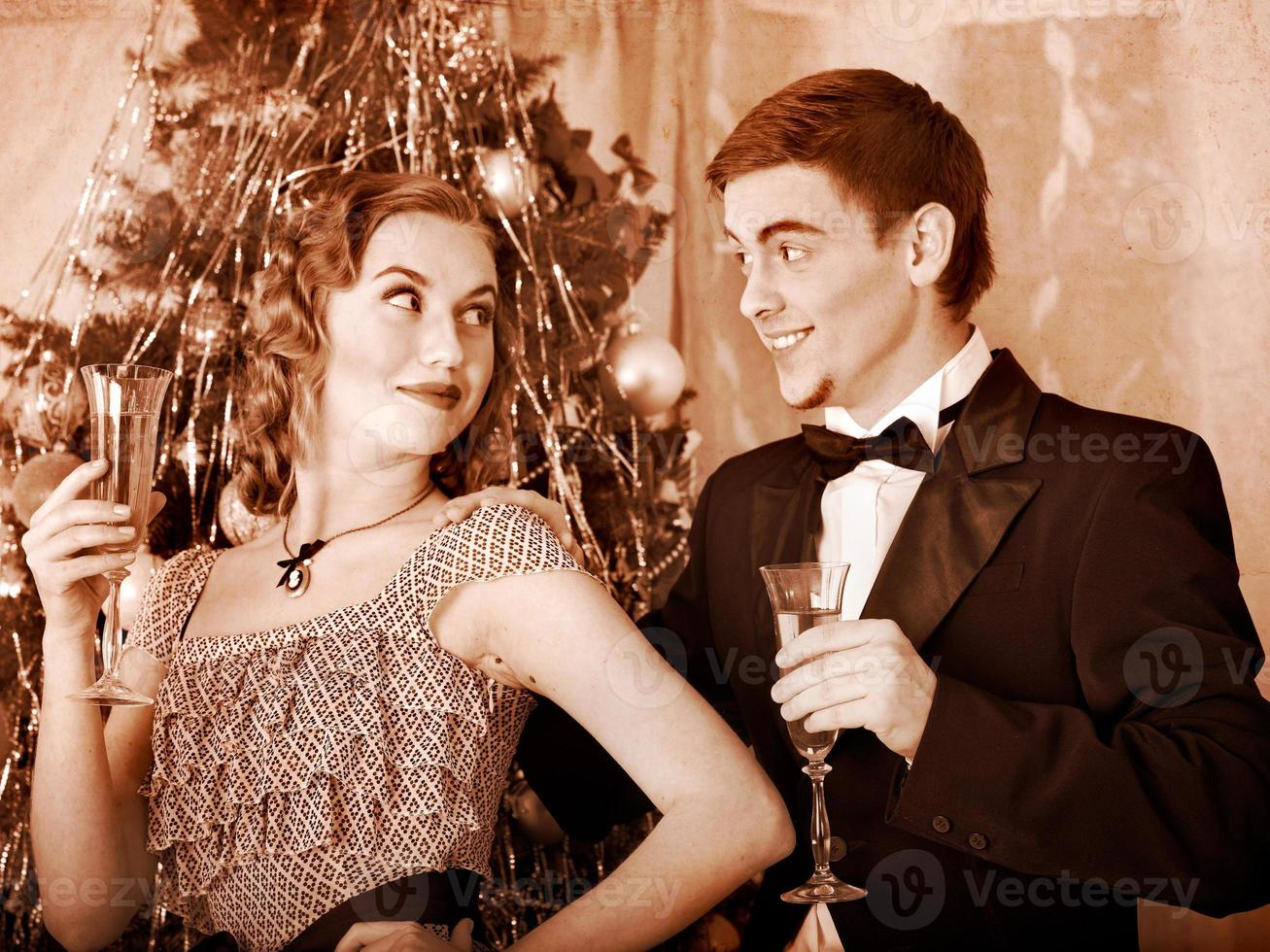 coppia sulla festa di Natale. retrò in bianco e nero. foto