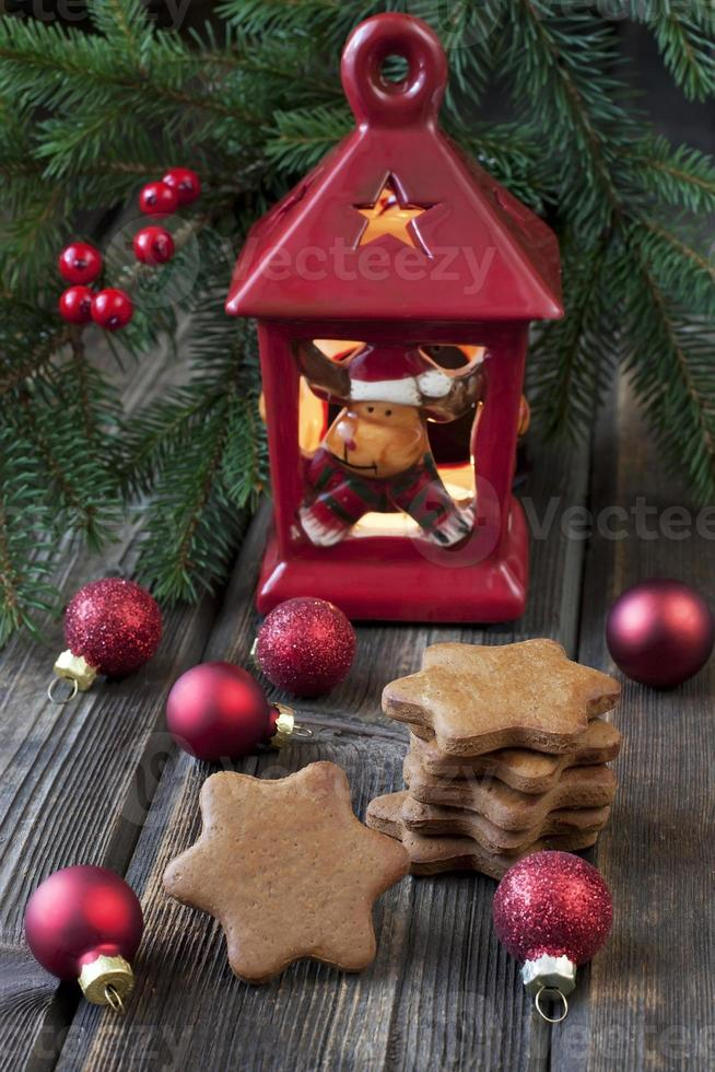 composizione natalizia con decorazioni natalizie foto