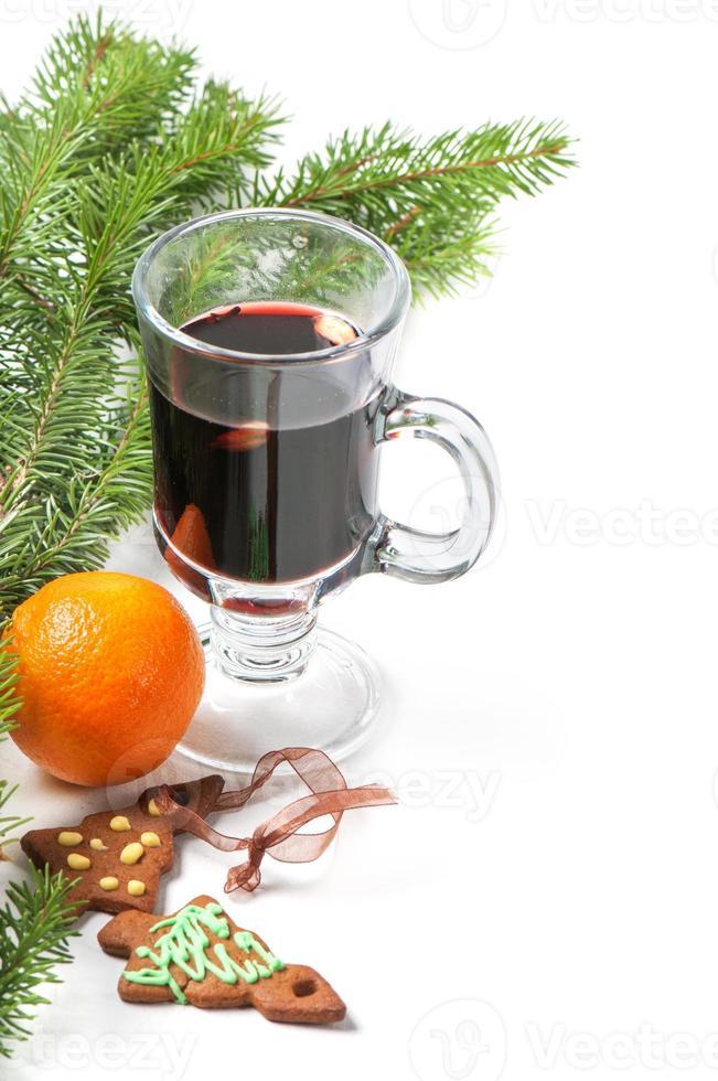 bicchiere di vin brulè rosso foto