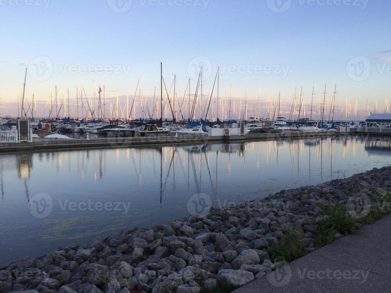 barche in marina foto