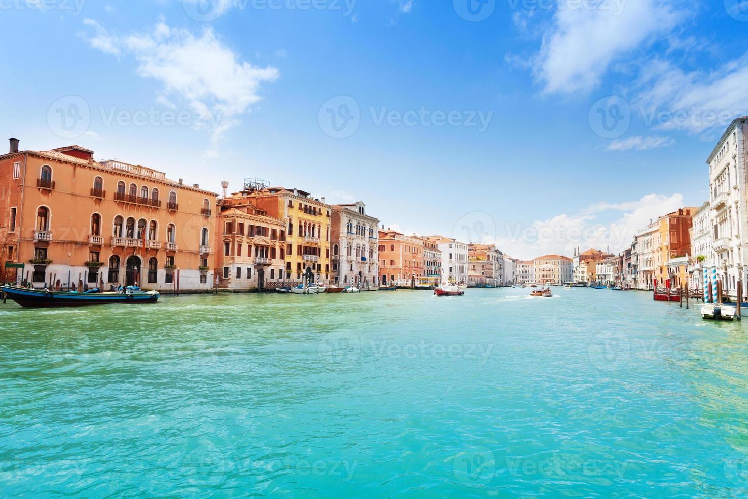 vista sul canal grande a venezia foto
