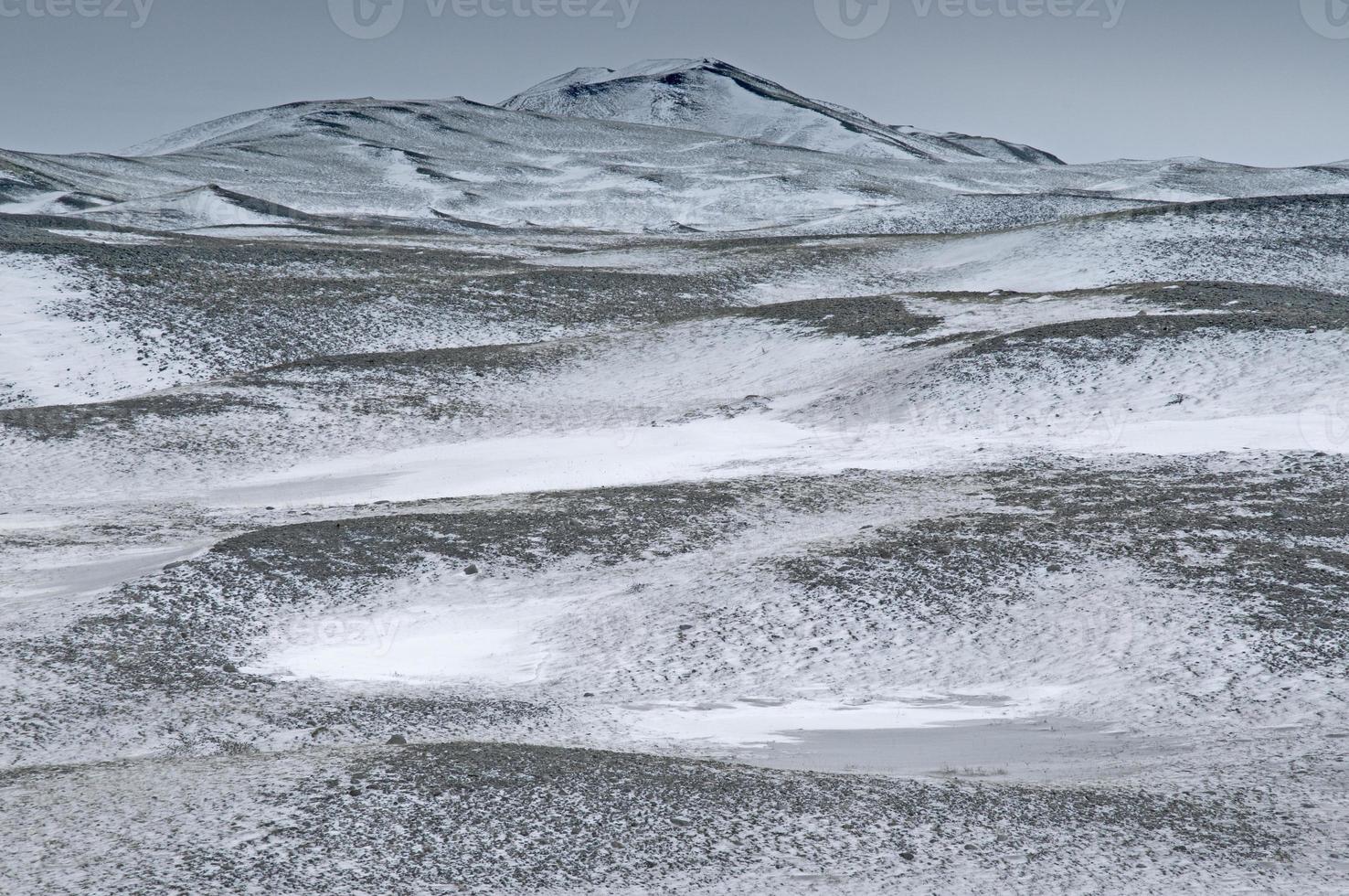 colline coperte di neve, Islanda foto