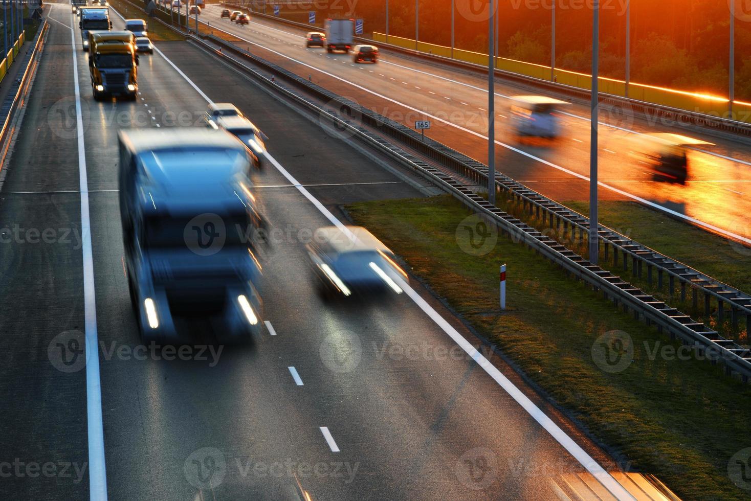 autostrada ad accesso controllato a poznan, polonia foto