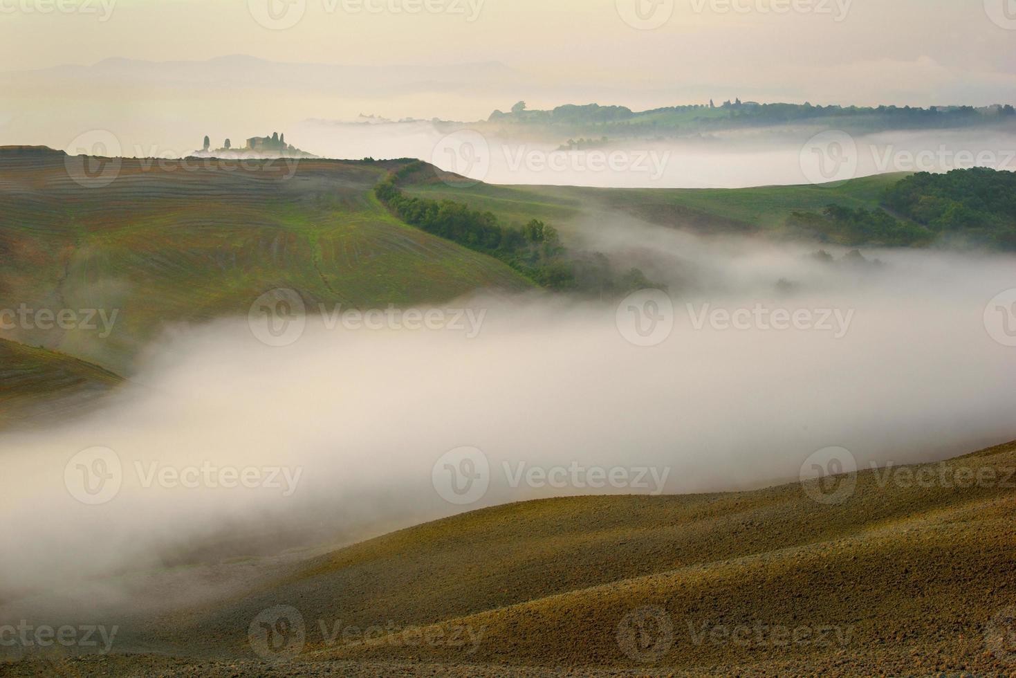 toscana - panorama paesaggistico, colline e prati, foto
