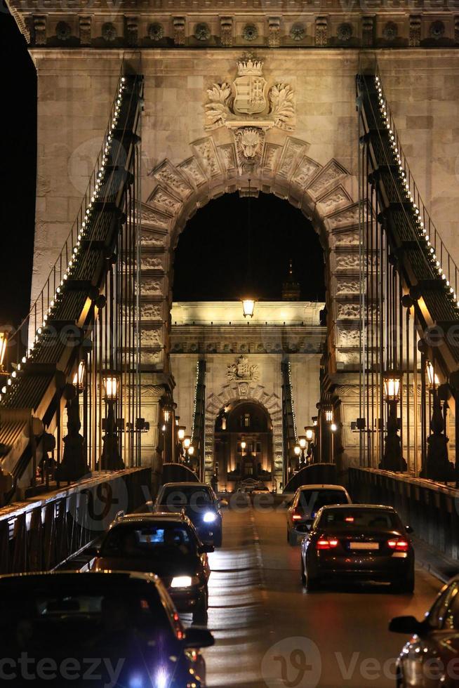 magnifico ponte delle catene. foto