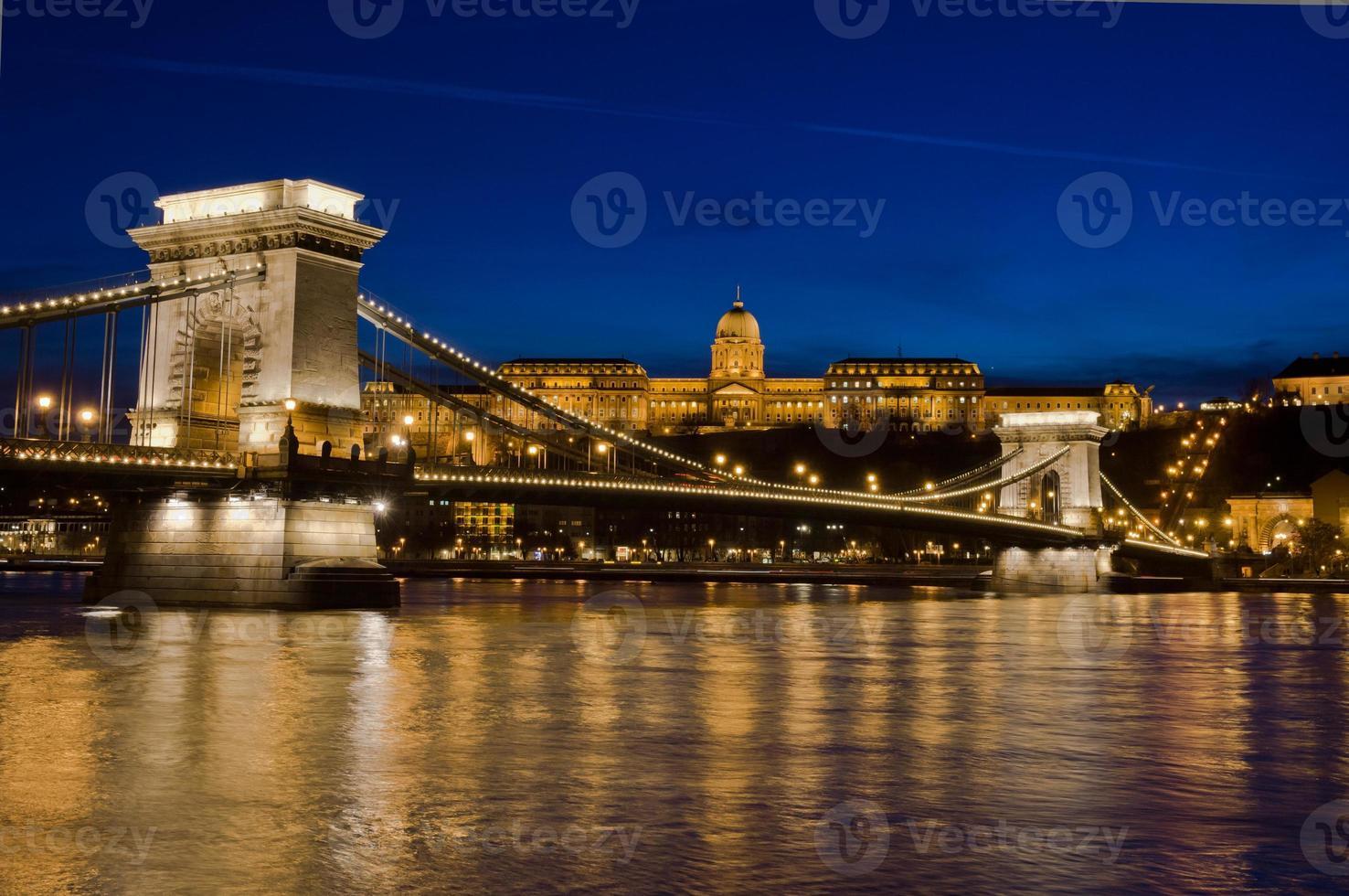 Ponte delle Catene e Castello di Buda, Budapest, Ungheria foto