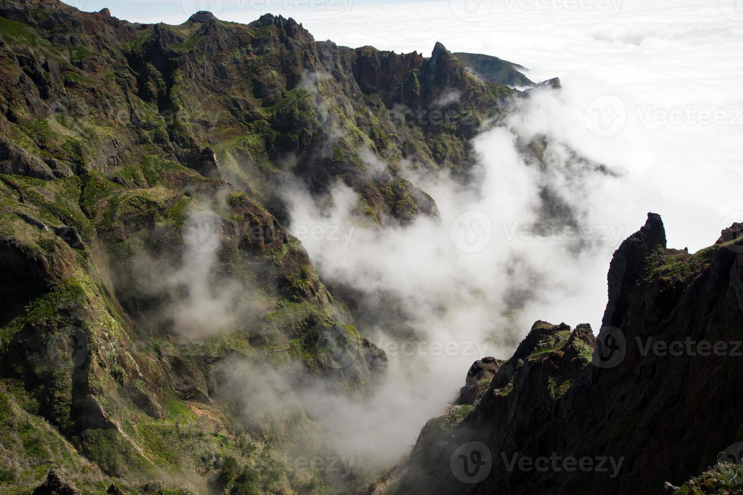 sopra le nuvole a Madeira foto