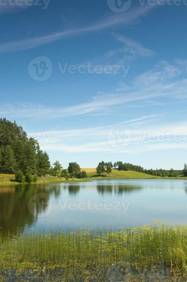 lago nero nella regione di suwalki osinki foto