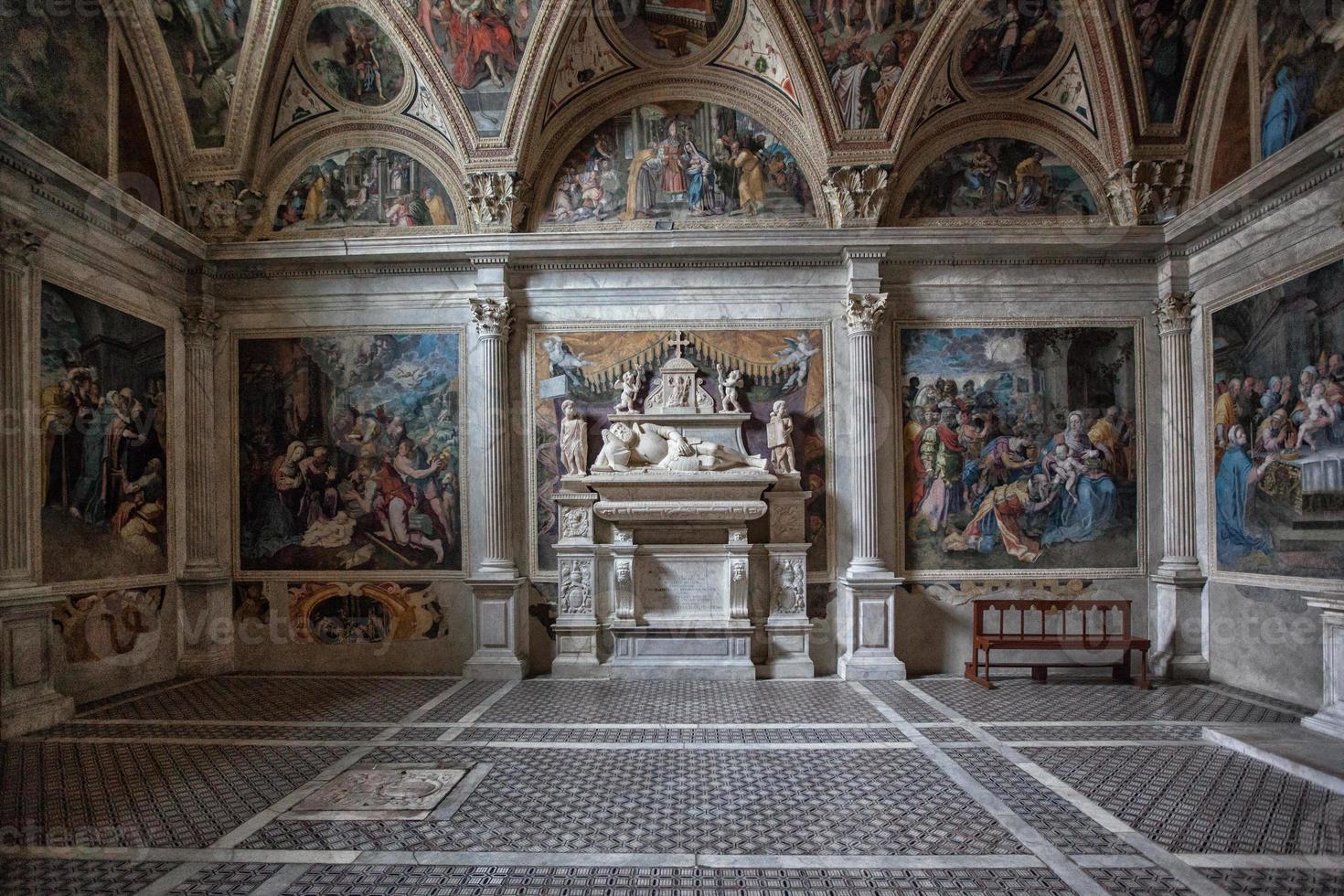 cappella caracciolo chiesa san giovanni a carbonara napoli foto