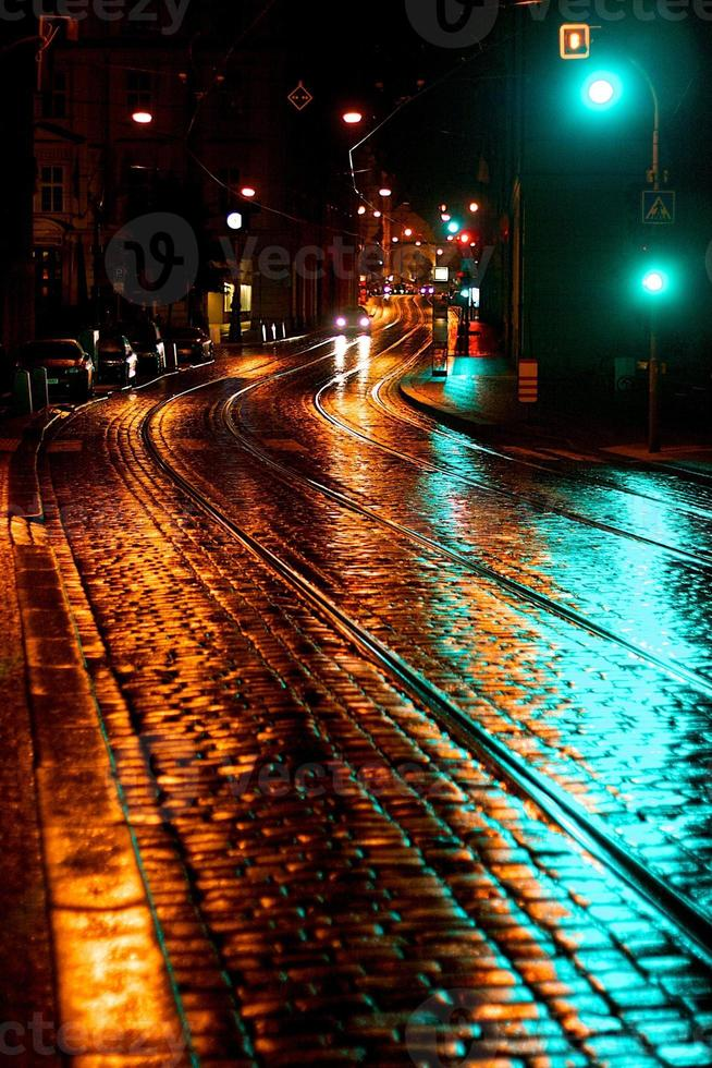 tranquilla strada di Praga di notte foto