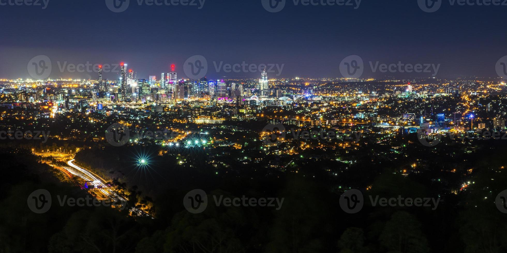 vista della città di Brisbane dal Monte Folaga foto