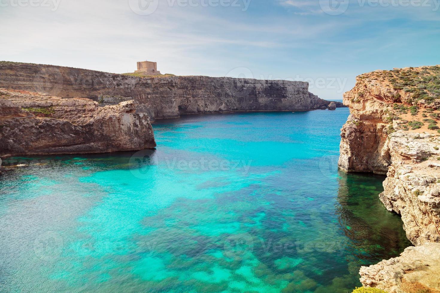 la laguna blu sull'isola di comino, malta gozo foto