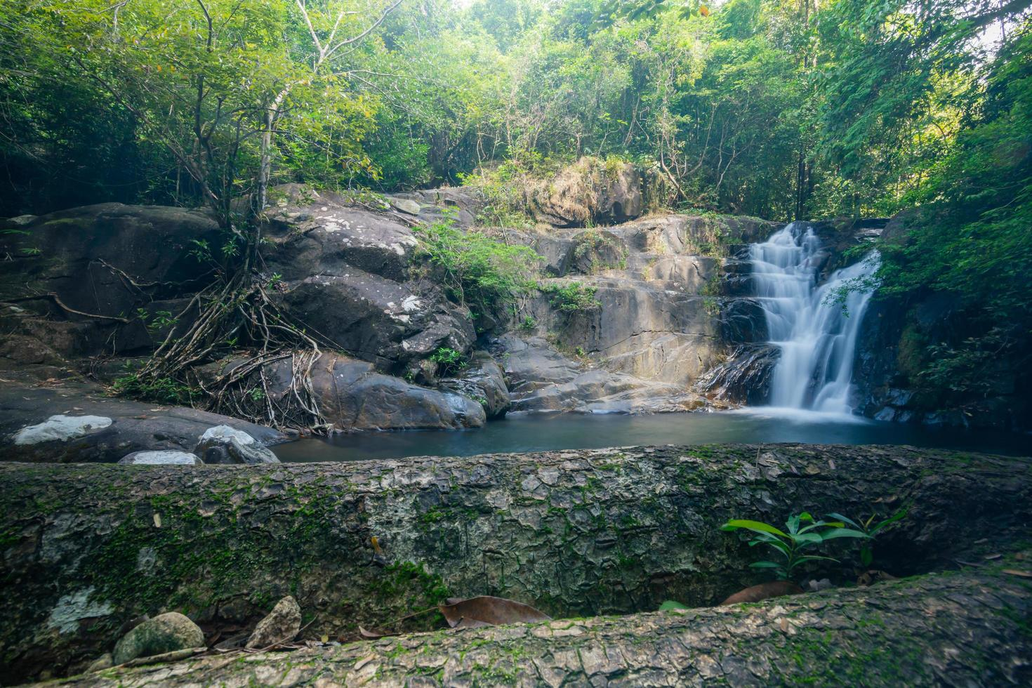 cascate di khlong pla kang in thailandia foto