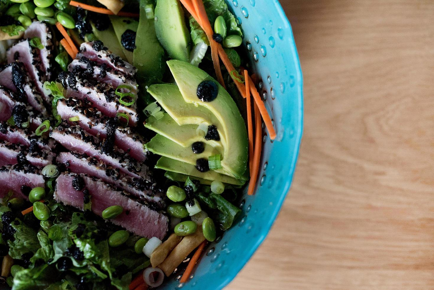 insalata di tonno scottata foto