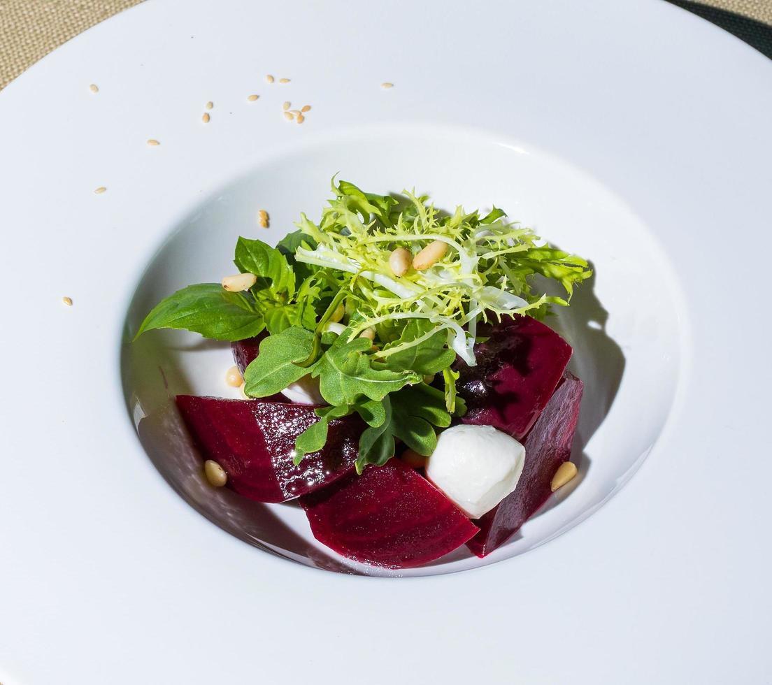 insalata di barbabietole da vicino foto