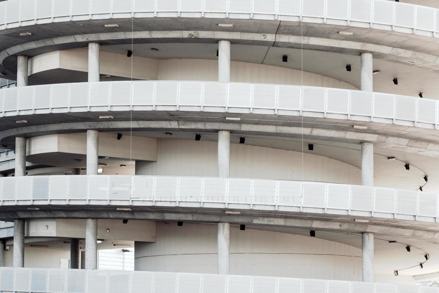 sydney, australia, 2020 - garage a spirale bianco foto